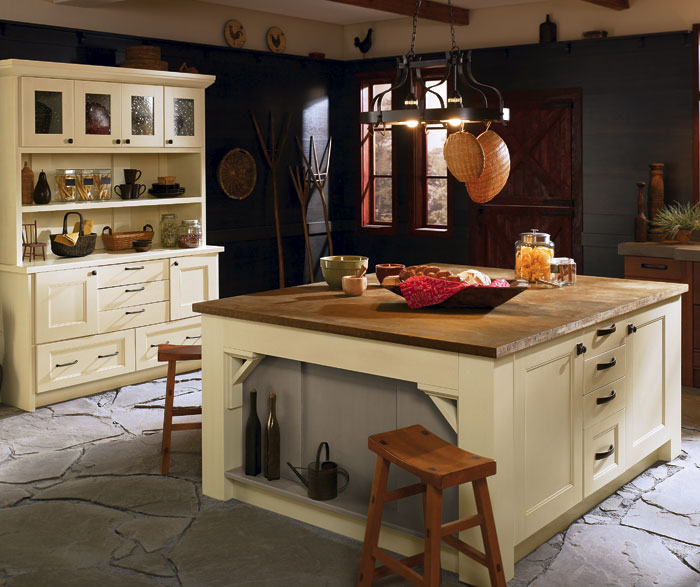 Rustic Kitchen Cabinets in Rift Oak