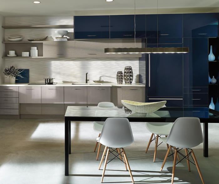 Contemporary Loft Kitchen in Acrylic Gloss Cabinets